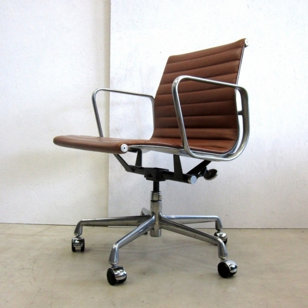Minimalist Herman Miller Office Chair Red Brwon Color Vinyl Seat And Back Upholstery Steeel Frame Material Images 32