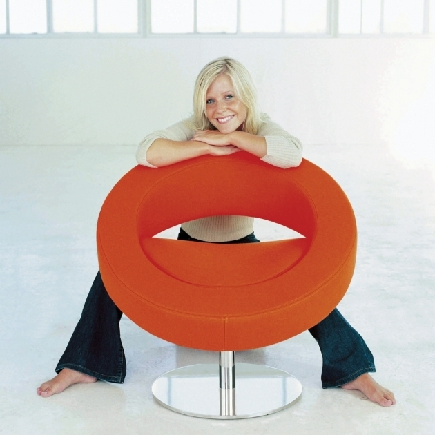 Orange Swivel Chair Hello Sessel Orange Mit Person  Image 12