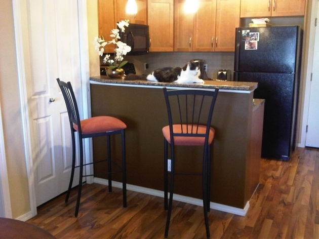 High Chairs For Kitchen Island Rails Back With Breakfast Bar On Wooden Floors Ideas Picture 81