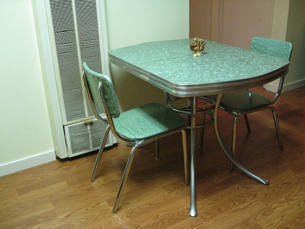Fascinating Retro Kitchen Tables And Chairs Pic