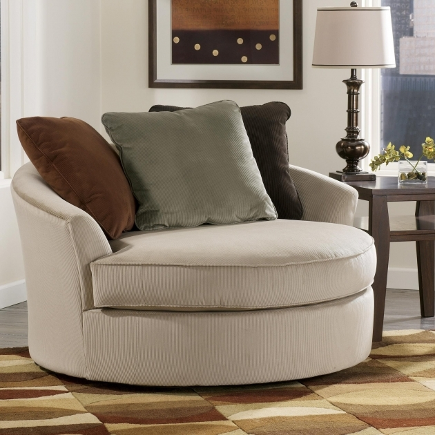 Fascinating Round Swivel Accent Chair Image