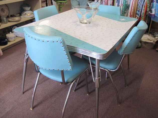 Stylish Retro Kitchen Tables And Chairs Image
