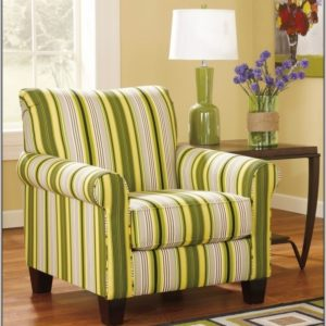Swivel Accent Chair with Arms
