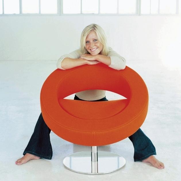 Orange Swivel Chair Hello Sessel Orange Mit Person  Image 12