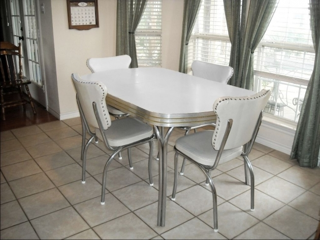 Astonishing 50's Kitchen Table And Chairs Ideas