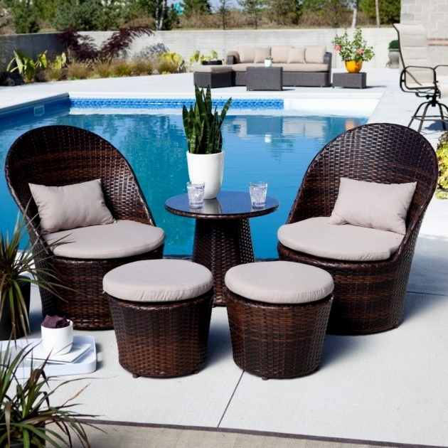 Awesome Small Outdoor Patio Table And Chairs Photo