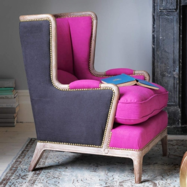 Luxury Hot Pink Accent Chair Photo
